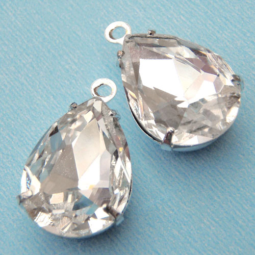 Sparkling Crystal Pear Jewels in Silver Plated Settings