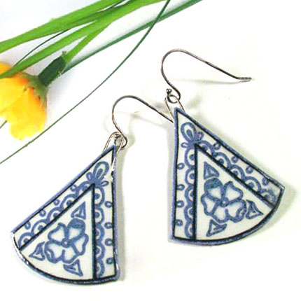 lacquered paper earrings in china blues and white