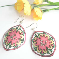 mosaic patterned lacquered paper earrings with the kanji kokoru, which means heart