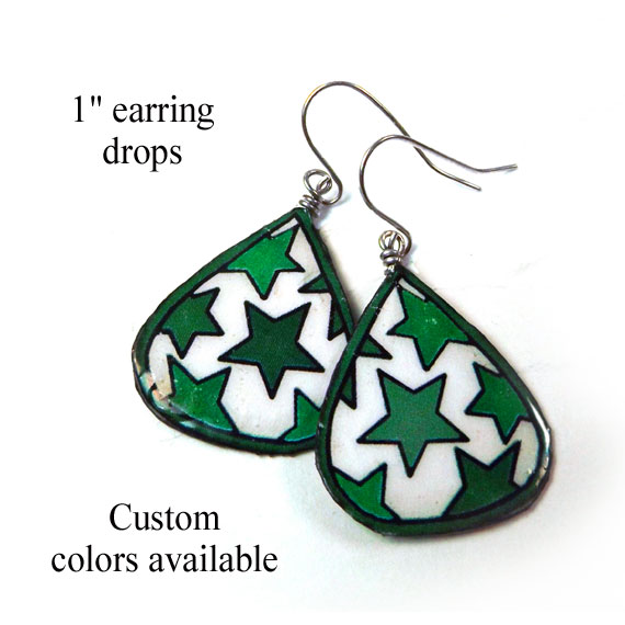 paper earrings with green stars from paperjewels.com