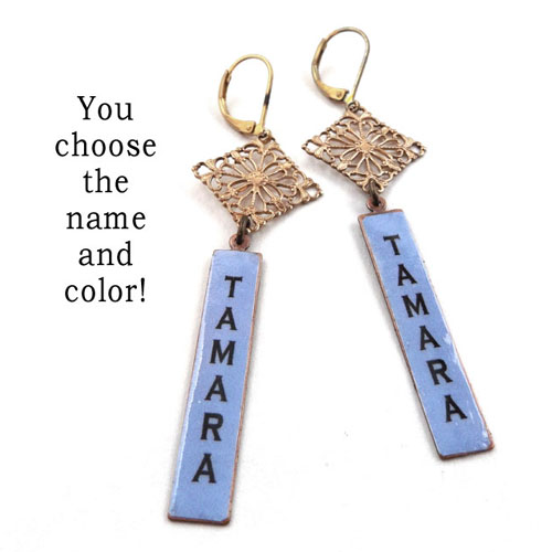 personalized earrings that say Tamara